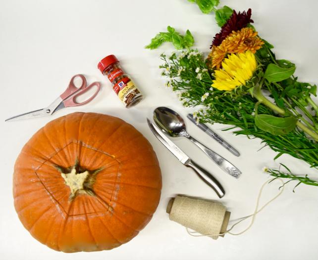 DIY Thanksgiving Pumpkin Centerpiece