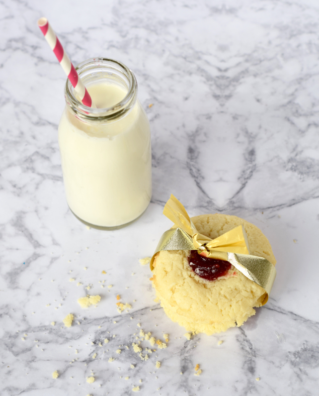 Holiday Milk & Cookies