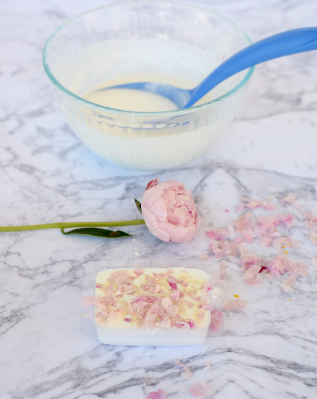 DIY Pink Peonies Bar Soap Tutorial