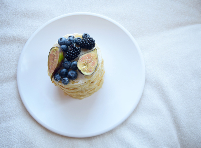Pancakes With Blueberries, Fig, & Honey