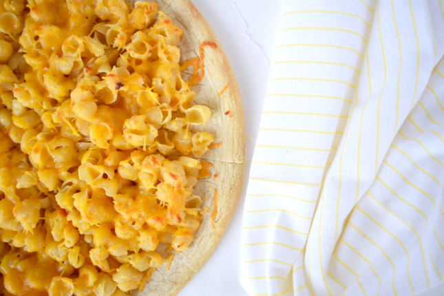 The Best Mac & Cheese Pizza