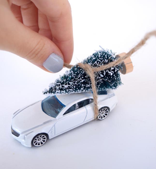 DIY Holiday Mason Jars With Car And Tree