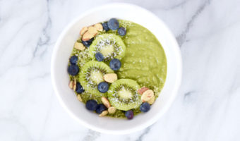 How To Make A Healthy And Pretty Smoothie Bowl Recipe