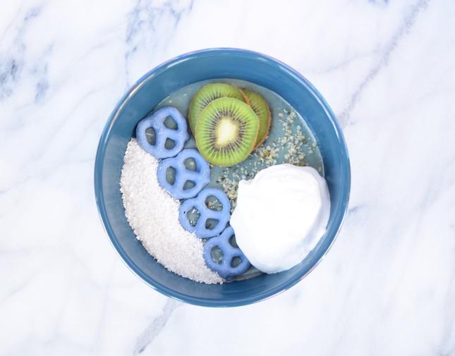 Kiwi Blue Smoothie Bowl Recipe