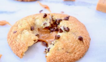 Gooey Caramel Chocolate Chip Cookies