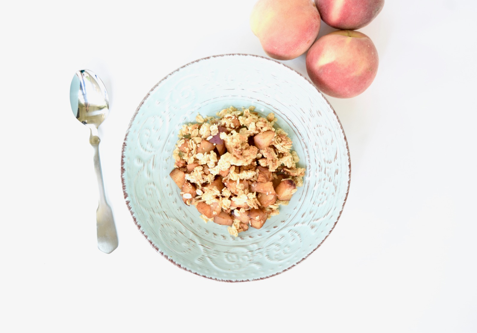 healthy peach crumble